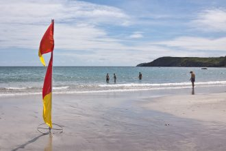 Kennack Sands Beach-Clean & Safe Family Beaches